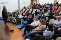 Auditório da Câmara sedia encontro com comitiva de lideranças do Paraná
